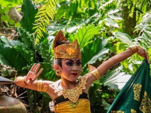 Dancer in Gold -1